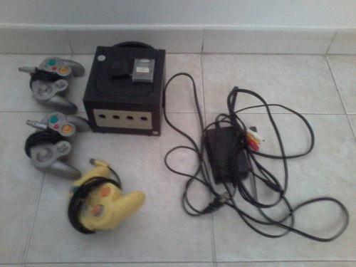 Nintendo Gamecube Con 3 Controles Y Memoria