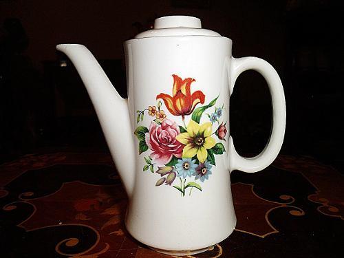 Tetera De Porcelana Made In Japan Con Flores En El Centro He