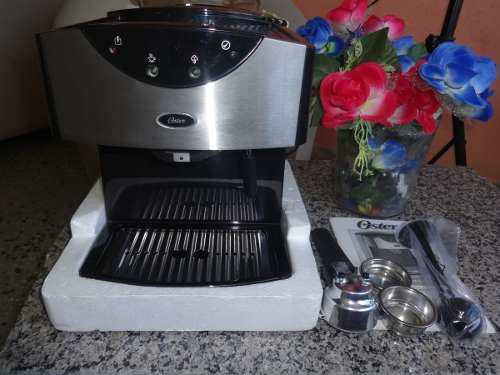 Cafetera Espresso & Capuccino.oster Oemp50