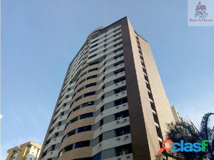Apartamento en Venta V. del Camoruco Lz 19-811