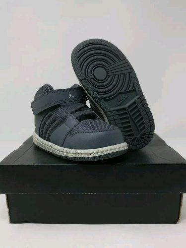 Zapatos Nike Jordan Para Niños Talla cm Originales
