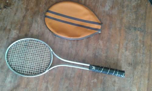Raqueta De Tennis Antigua De Aluminio