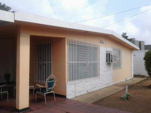 Casa quinta en urb las lomas en maracaibo