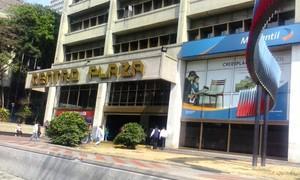 Local Comercial de 104 e Centro Plaza Los Palos Grandes