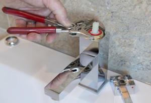 Plomero Plomería Cambio de llaves Reparación de goteras