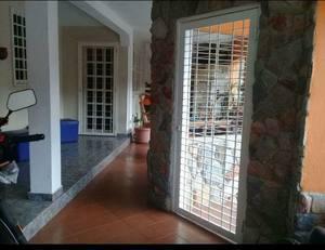 Realtor group vende amplia casa en urbanizacion la esmeralda