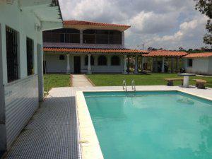 Se alquila casa en higuerote con piscina para temporadistas