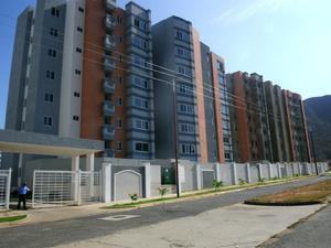 Vende apartamento en sector mañongo 85 mts/2 residencias