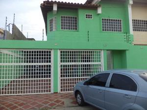 Vendo town house en la Urb Ciudad Jardines Nueva Toledo