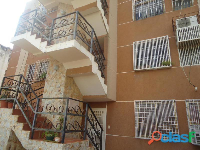 3 Cuartos, 72 m² – Apartamento En Venta En La Victoria