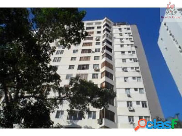 Apartamento en Venta El Bosque Nv 18-11854