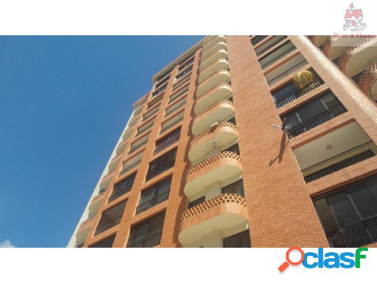 Apartamento en Venta El Bosque Nv 18-2818