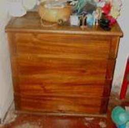 Gavetero o peinadora de madera