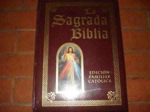 Vendo biblia católica entrega personal