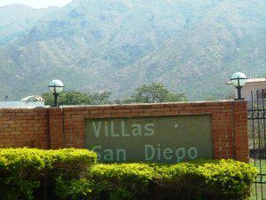 Venta de comodo terreno en San Diego MLS 12