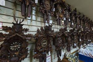 nicos en Venezuela, ventas de relojes cucú, ventas de