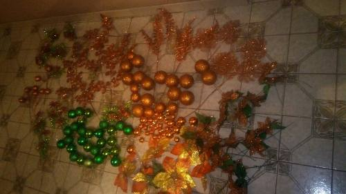 Adornos Para El Árbol De Navidad En Color Ocre,