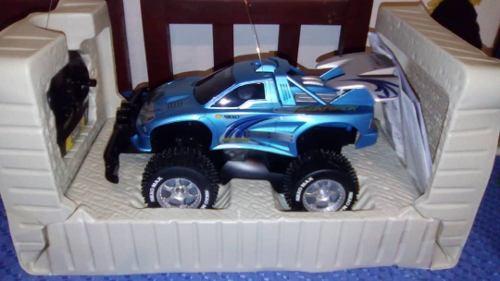 Carro A Control Remoto Nikko Aggressor