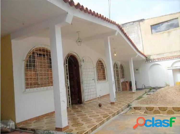 Casa en Venta La Esmeralda Cv 18-8035
