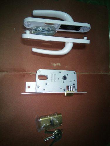 Cerradura Con Manilla Para Puerta De Hierro Protector