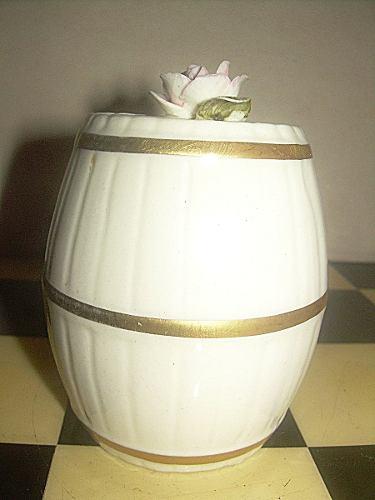 Antiguo Cofre De Porcelana En Forma De Barril Capodimonte Co
