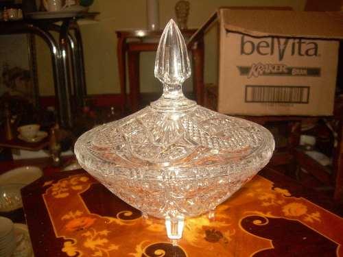 Bombonera De Cristal Tallado De Gran Diseño En Buen Estado