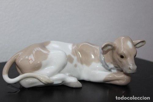 Figura De Porcelana Lladro Catalog # Becerrito Belen