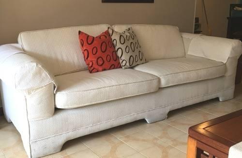 Sofa De Tres Puestos, Tapicería De Tela