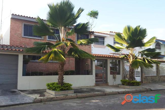 Se Vende Casa Urb. Trigal Norte Valencia RCS12