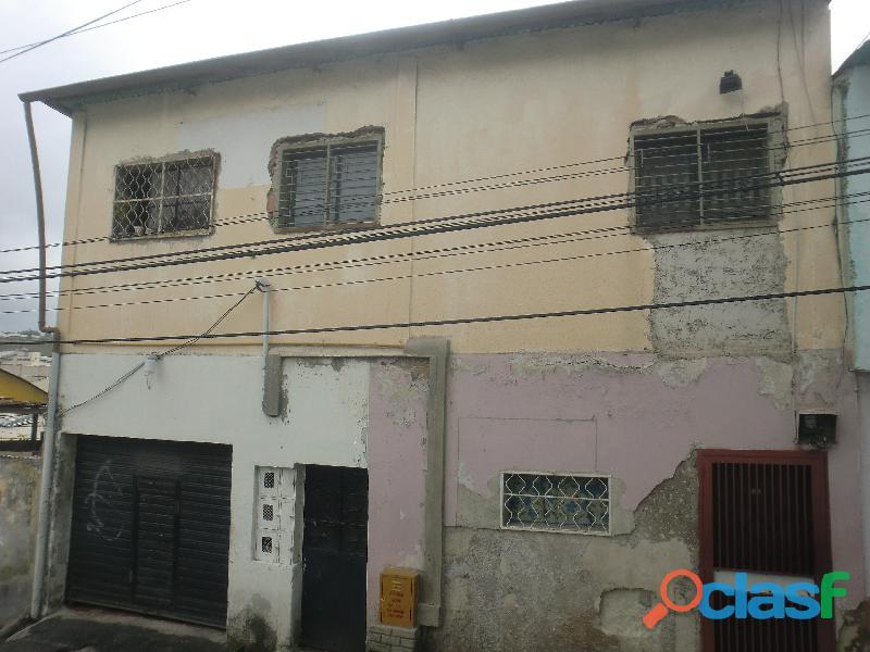 Se vende Casa Grande con 2 Apartamentos tipo estudio – Pan