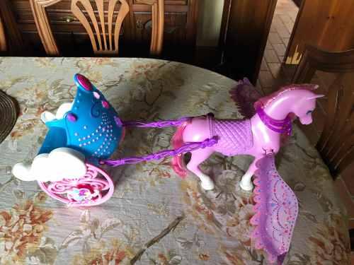 Carruaje De La Barbie Mariposa. Caballo Con Alas Barbie