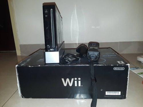 Consola Nintendo Wiil + 2 Juegos Original Y Accesorios