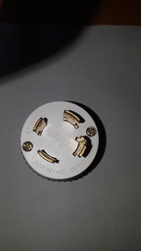 Enchufe Seguridad La v 4 Patas Para Generadores