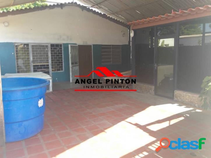 CASA COMERCIAL EN VENTA EN AMPARO MARACAIBO API2769