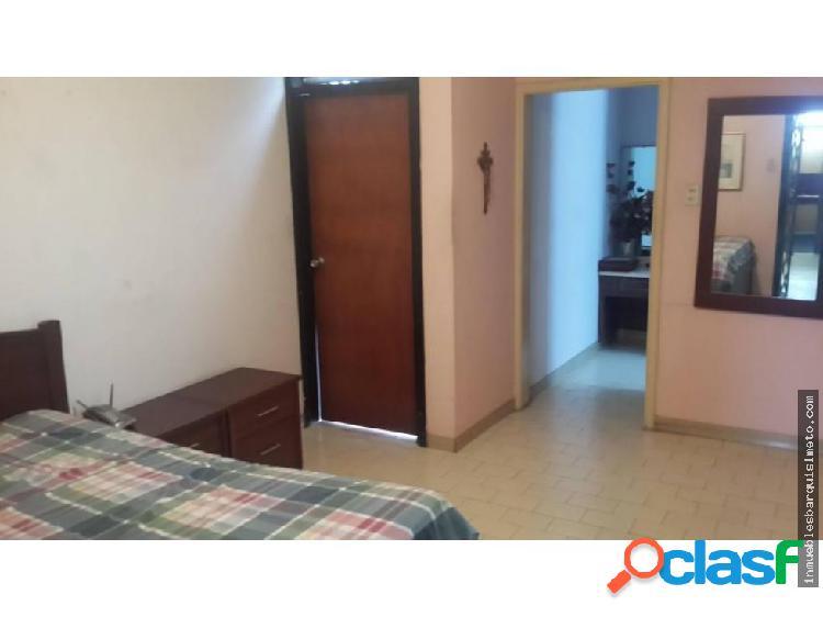 Casa con anexo Comercial en Venta 19-482