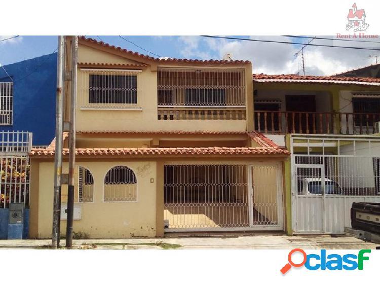Casa en Venta La Esmeralda Nv 18-10410