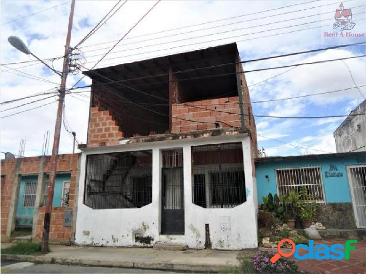 Casa en Venta Los Jarales Nv 18-11182