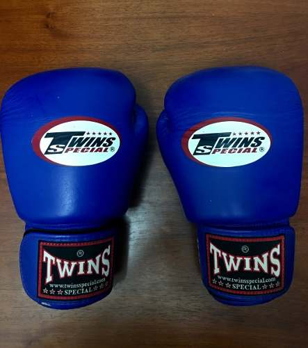 Guantes Profesional Twins Special Boxeo Muay Thai Color Azul