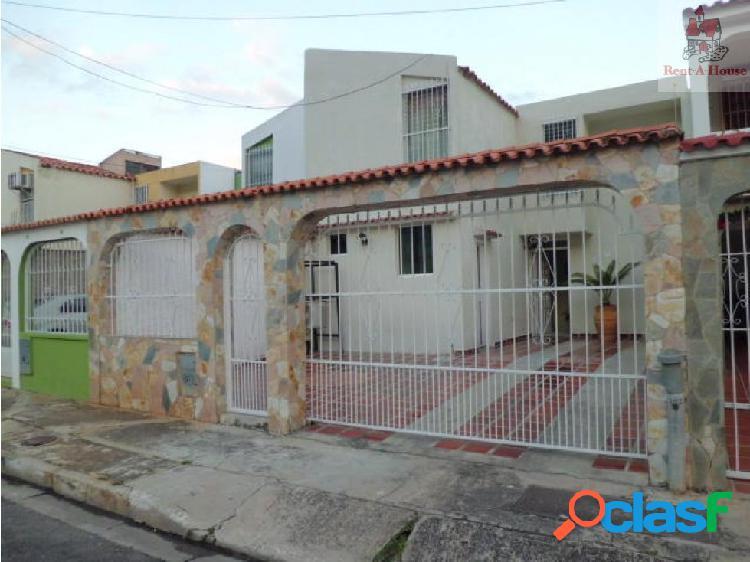Casa en Venta La Esmeralda Nv 18-16006