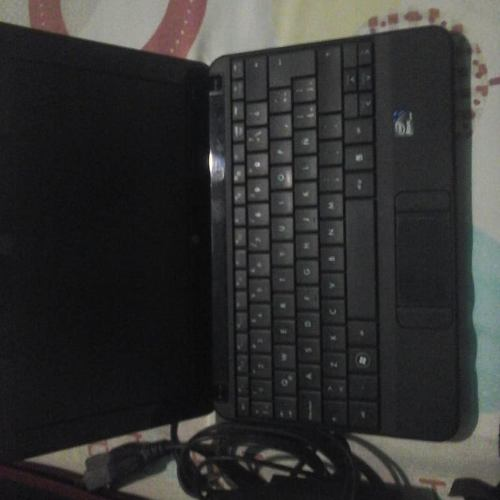 Remato Mini Laptop Hp Practicamente Nueva.
