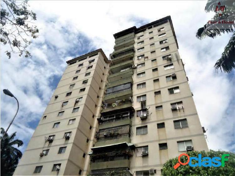 Apartamento en Venta Lomas del Este Cv 18-11361