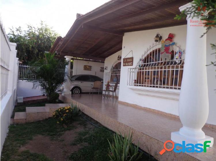 Casa Venta La Victoria La Mora II Cód 19-1141 LSA