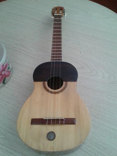 Instrumento Musical Cuatro