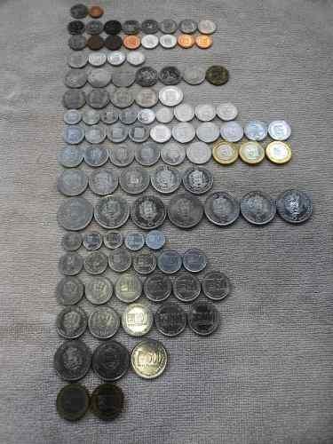 Lote De Monedas Varias  Y 5 Centimo