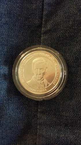 Moneda Bicentenario Del Nacimiento De J. M. Vargas.remato.