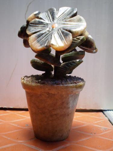 Piedra De Cuarzo En Forma De Flores, Varios Colores. Usado.