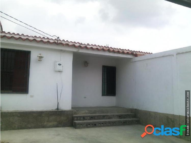 Casa en Venta en Cabudare Flex18-2741