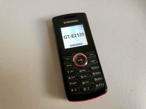 Celular Samsung Gt-el Para Reparar O Repuestos