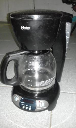Cafetera Oster Modelo 3303 12 Tazas