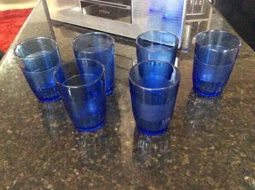 Juego De Vasos De Vidrio Pequeños Color Azul